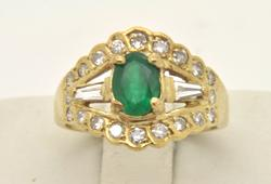 LADIES 14 KT DIAMOND AND EMERALD RING