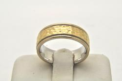18 KT WHITE AND YELLOW GOLD COMFORT FIT BAND
