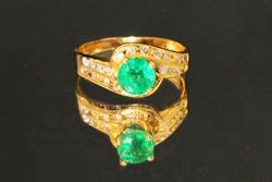 Luscious Natural Emerald & Diamond Ring in 18k