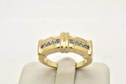 MENS 14 KT GOLD AND DIAMOND BAND / RING