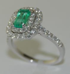 Beautiful Emerald and Diamond 18kt Cocktail Ring
