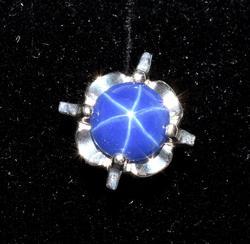 14KT White Gold Blue Star Sapphire Tie Tack
