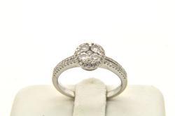 LADIES 18 KT WHITE GOLD DIAMOND RING