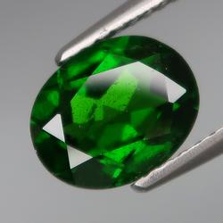 Rich top green 1.95ct 9x7mm Chrome Diopside