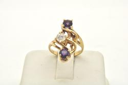 LADIES 14 KT AMETHYST AND DIAMOND RING
