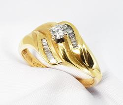 Suave Diamond Ring in 14K Yellow Gold