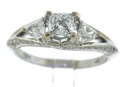 Glamorous 18kt Princess Cut Engagement Ring