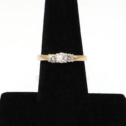 Kay MagicGlo 14kt Platinum Three Stone Diamond Ring