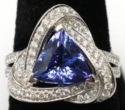 Wow! Tanzanite & Diamond Ring, 14KT