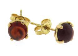 Simple 18kt Cabachon Garnet Stud Earrings