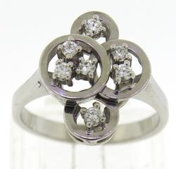 Stunning White Gold Diamond Circle Cluster Ring