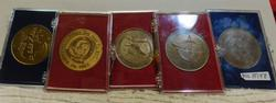 5 each Space Program - Space Shuttle medals