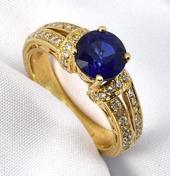 Sophisticated Sapphire & Diamond Ring in 18K YG