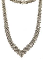 Extremely Elegant RBC Diamond V Necklace