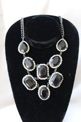 Set Of Fashion Jewelry Neck Lace