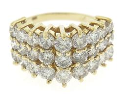Stunning Yellow Gold 2.55ctw Diamond Ring