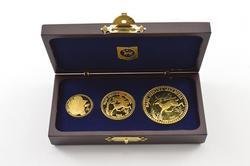 (3) 2000 Malaysia 50, 100, & 200 Ringgit 1/4, 1/2 & 1 Oz Fine Gold