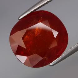 Large 7.58ctct red orange natural Garnet