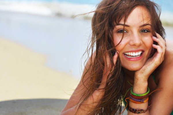 Luce bella en la playa y protege tu piel