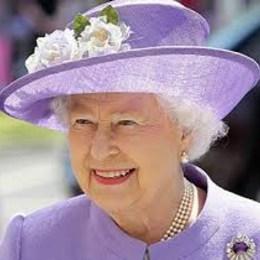 Conoció a la Reina de Inglaterra... - Quiz sobre Miley Cyrus