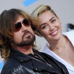 ¿Con qué mano escribe Miley? - Quiz sobre Miley Cyrus