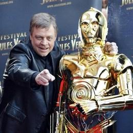 ¿Qué cambió sufrió C3PO en ésta película? - Star Wars: The Force Awakens... ¿Lo sabes todo?