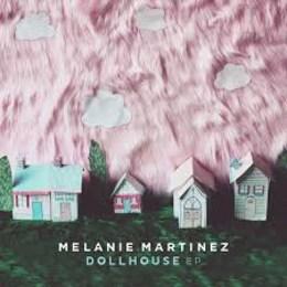 Cual de estas canciones tiene mas visitas en YouTube? - ¿Cuanto sabes de Melanie Martinez?