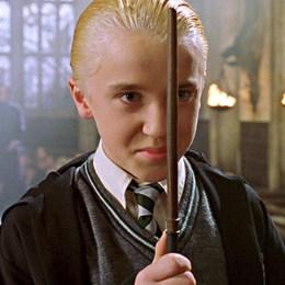 Cuando Malfoy reta a Harry a un Duelo de Magos ¿en dónde acordaron encontrarse, y a qué hora? - Harry Potter y la Piedra Filosofal - Test