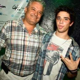 ¿Como se llaman sus papás?  - Cuanto sabes de Julian Serrano♡?