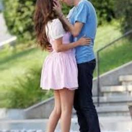 Selena tuvo su primer beso cuando tenía - Que tanto sabes de la Reina Selena Gomez?