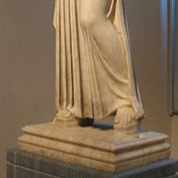 En cuál tema se centra siempre la escultura griega? - Test Cultura Griega