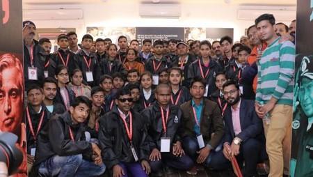अतुल माहेश्वरी छात्रवृत्ति-2018 के विजेताओं ने किया डॉ.ए.पी.जे.कलाम मेमोरियल का विजिट