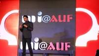 नई दिल्ली में आयोजित 'नज़रिया- जो जीवन बदल दे' कार्यक्रम में चर्चित गीतकार मनोज मुन्तशिर।