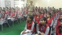 फिरोजाबाद के आईवी इंटरनेशनल स्कूल मेंहुई पुलिस की पाठशाला।