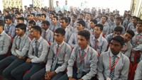 भदोहीके बीपीएमजी पब्लिक स्कूल में आयोजित पुलिस की पाठशाला में मौजूद विद्यार्थी।