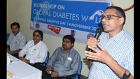 सीएसजेएमयू, कानपुर के समाज कार्य विभाग में आयोजित कार्यशाला को संबोधित करते डॉ.राजेश जैन।