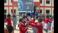 मिर्जापुर के एसके इंटर कॉलेज में मार्शल आर्ट का ट्रेनिंग देती ट्रेनर