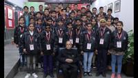 दिल्ली में आयोजित शब्द सम्मान समारोह के दौरान अतुल माहेश्वरी छात्रवृत्ति-2018 के विजेताओं के साथ पूर्व राष्ट्रपति प्रणब मुखर्जी