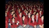 कानपुर के डॉ. वीरेंद्र स्वरूप अवधपुरी एजुकेशन सेंटर में आयोजित पुलिस की पाठशाला में मौजूद विद्यार्थी
