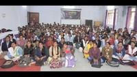 भदोही के केशव प्रसाद महिला महाविद्यालय में आयोजित पुलिस की पाठशाला में मौजूद छात्राएं