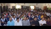 जौनपुर के मोहम्मद हसन इंटर कालेज में आयोजित पुलिस की पाठशाला में मौजूद विद्यार्थी एवं शिक्षक