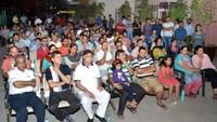गाजियाबाद केइंदिरापुरम स्थित क्लाउड- 9 में आयोजित पुलिस की चौपाल में मौजूद लोग