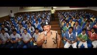 कानपुर केसर पदमपति सिंघानिया एजुकेशन सेंटर में आयोजित पुलिस की पाठशाला को संबोधित करते एडीजी प्रेम प्रकाश