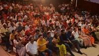 चंडीगढ़ पीजीआई के भार्गव ऑडिटोरियम में आयोजित 'नज़रिया- जो जीवन बदल दे' कार्यक्रम में मौजूद लोग