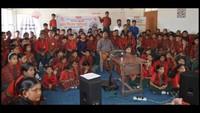 जीपीएस इंटर नेशनल स्कूल में बाल फिल्म देखते बच्चे