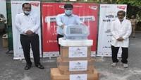 अमर उजाला फाउंडेशन की ओर से मेरठ मेडिकल कॉलेज के लिए जिलाधिकारी अनिल ढींगरा को सौंपा गया वेंटिलेटर