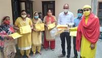 पंचकुला के गांव में जरूरतमंद लोगों को पल्स ऑक्सीमीटर उपलब्ध कराया गया