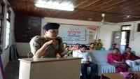 चंबा के राजकीय कन्या वरिष्ठ माध्यमिक विद्यालय में आयोजित पुलिस की पाठशाला में एसपी चंबा डॉ. मोनिका।