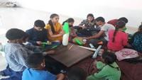 देहरादून के बांदल घाटी में आयोजित समर कैंप में बच्चों ने सीखा राकेट बनाना।