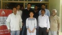 चौखुटिया (अल्मोड़ा) में आयोजित निःशुल्क स्वास्थ्य चिकित्सा शिविर में मौजूद, चिकित्सक, स्वास्थ्य कर्मी व अन्य ।